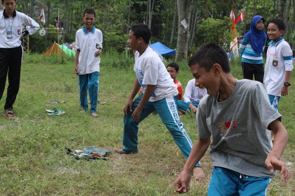 KEGIATAN CAMPING SISWA (13)