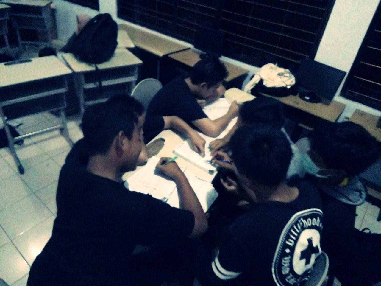 Bimbingan guru siswa sampai H-1 (5)
