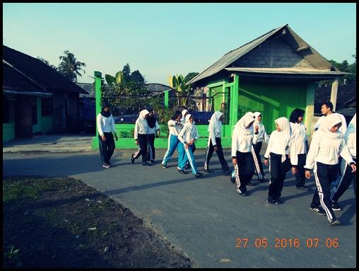 JALAN SEHAT 27 MEI 2016 SMP N 4 PAKEM (4)