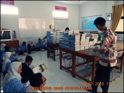 PINJAM BUKU PERPUSTAKAAN (2)