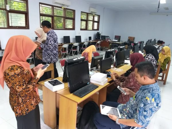 IHT  E-LEARNING SMP 4 PAKEM