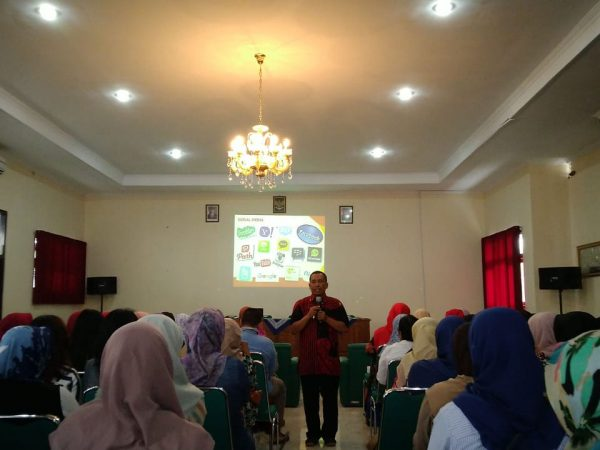 DIGITAL PARENTING KELAS 7