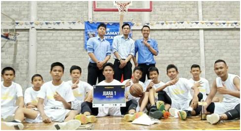 "TIM BASKET JUARAI BASKETBALL COMPETITION 2019, SMP 4 PAKEM ""MEMANG OK!"""