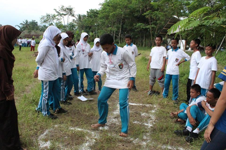 KEGIATAN CAMPING SISWA (6)